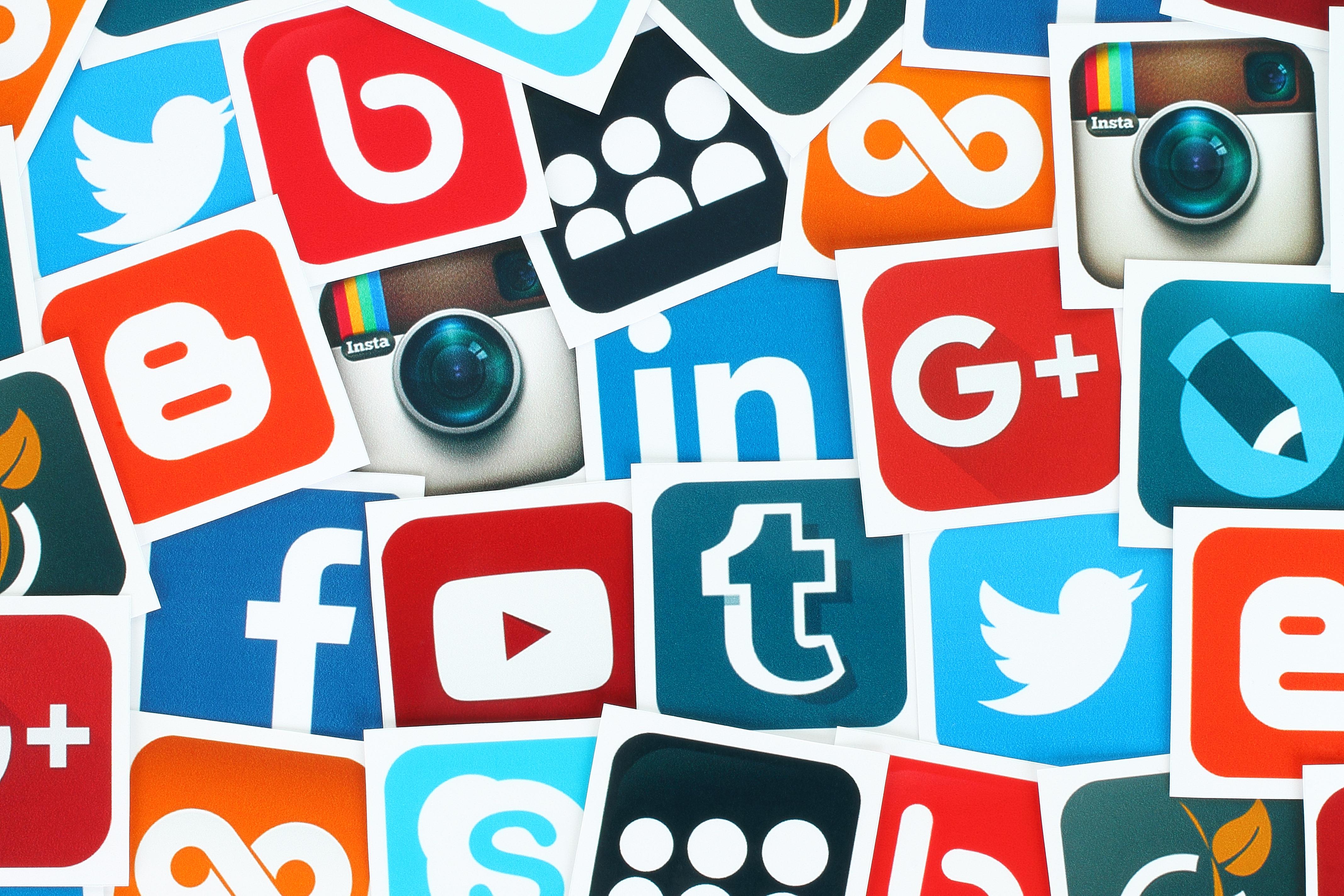 how to add company logo to linkedin profile